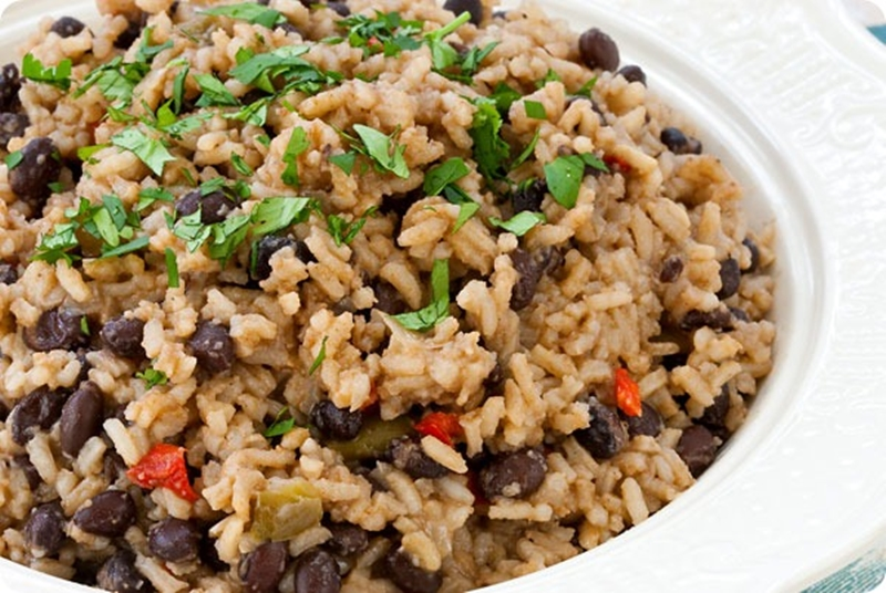 Gastronom a cubana platillos imprescindibles blog taino for Azafran cuban cuisine